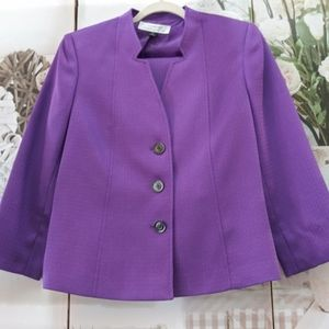 Tahari Skirt Suit Sz.8 NWOT